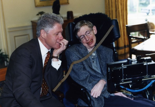 Bill Clinton y Stephen Hawking./www.flickr.com
